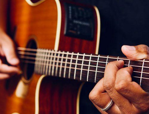 CONVERSAZIONI IN LINGUA A RITMO DI MUSICA